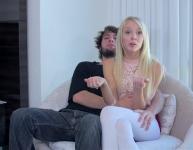 Follando a su novia en la entrevista
