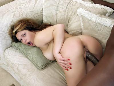 Latina follando con un glande enorme
