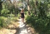 Camille follada en el bosque