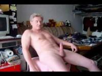 Sexi maduro masturbandose